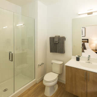 Full-size bathroom in North Wilmington, DE Apartment